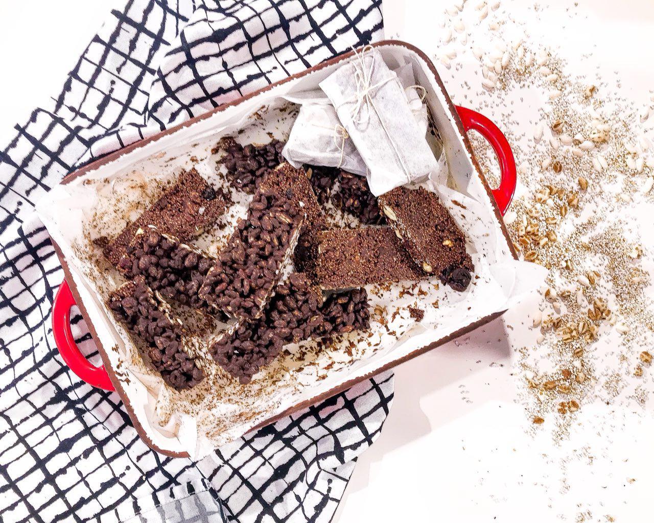 Barrette ai cereali soffiati e cioccolato